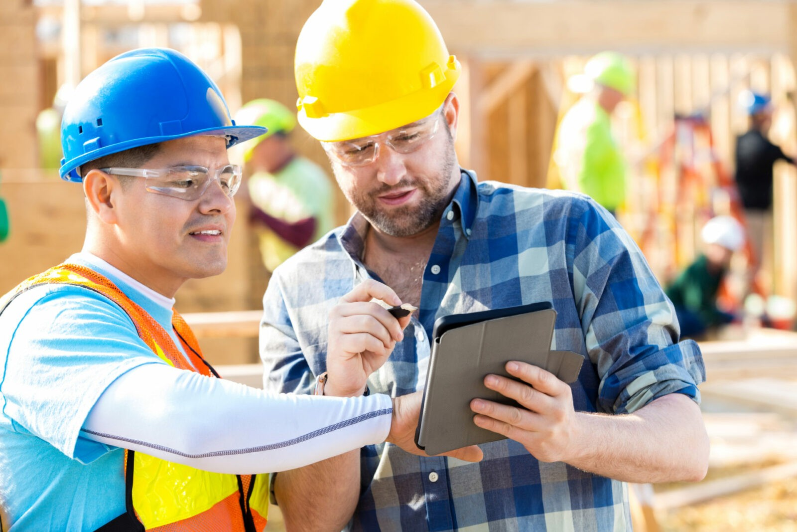 Construction Foremen With Mobile Device Management From Their IT Consulting Company In Florida